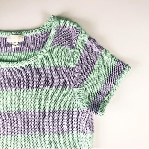 Forever 21 Tops - Short-Sleeved Sweater